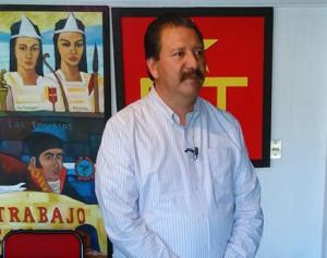 Reginaldo Sandoval Flores. (5)